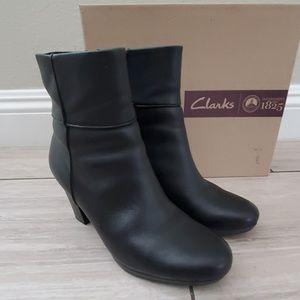 Womens Clarks Kalea Ankle Boots
